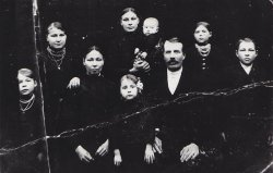 "The family of Szwed (pseudonym ""Dziki"") from Wola Ostrowiecka."